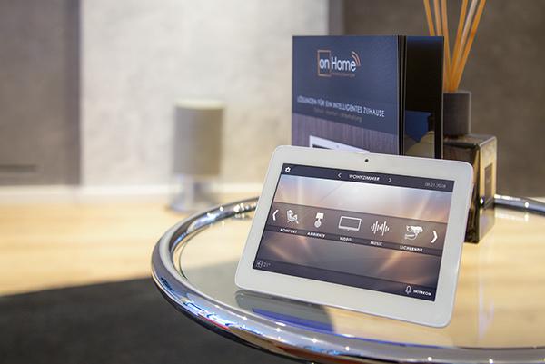 SmartHome Showroom Tablet